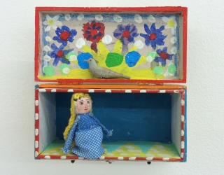 Mirjam Jacob, Untitled, 2014, 13 x 14 x 6 cm, painted box with objects