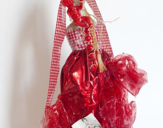 Marliz Frencken, Red Madonna with red baby, 2007 47 cm, clay and various objects in resin